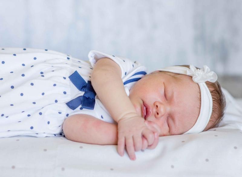婴儿发烧后咳嗽流鼻涕怎么办一直不好吃什么好