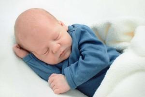 新生儿腹绞痛的症状有哪些新生儿腹绞痛的暂缓措施有哪些